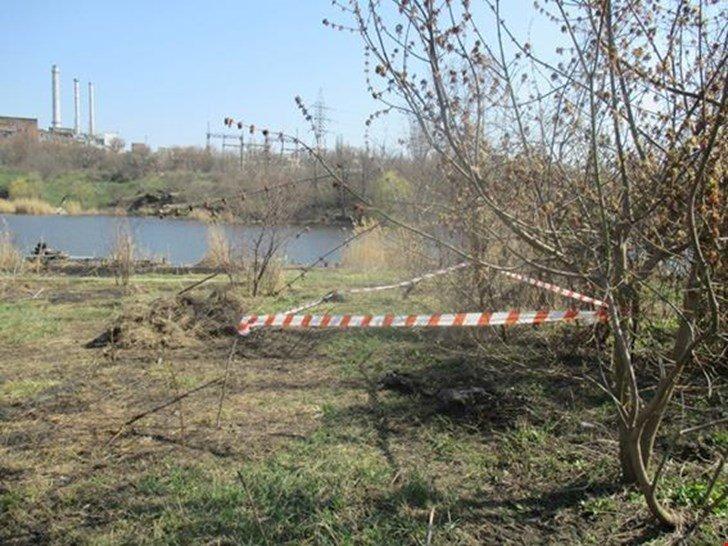 Зверски убил и закопал тело у реки: украинцев поразил жуткий случай