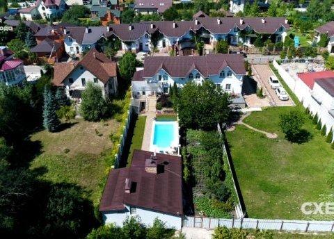 Родственники чиновника Нацполиции «неожиданно» стали владельцами новых квартир