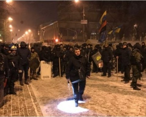 Поліція штурмувала наметове містечко Саакашвілі, є постраждалі (відео)