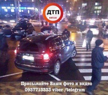 """Киян розлютила чергова """"автохамка"""" у столиці"""