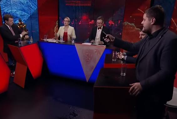 »Раб, мудак и холуй»: депутат от «Свободы» устроил истерику в прямом эфире (видео)