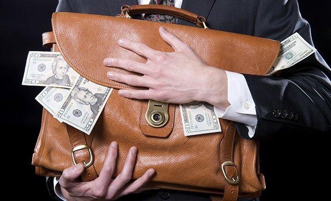 Украинцам назвали самых дорогих советников министров