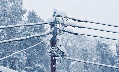 """Потужний снігопад """"накрив"""" Францію: дивовижні фото"""