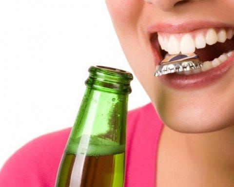 Десять привычек, которые уничтожают зубную эмаль