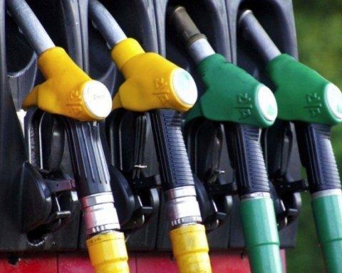 """Водіям на замітку: """"якість"""" бензину масово не відповідає нормативам"""
