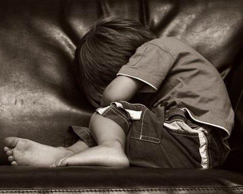 Колапс із соцпрацівниками: діти живуть і помирають у злиднях