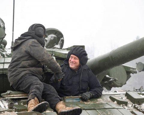 Генерал США проїхався на українському танку і постріляв із зенітки (відео)