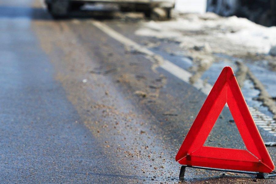 В Курской области водитель не разъехался с дорожным знаком
