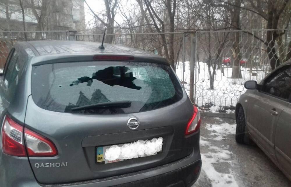 Вцентре Харькова взорвали машину одиозного полицейского начальника