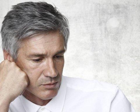 На що вказує сивина у чоловіків: медики пояснили