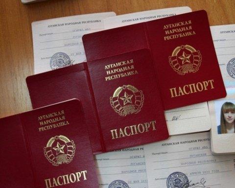Хотят домой: население Донбасса мечтает о возвращении в Украину и не чувствует вину за «Путин, введи …»