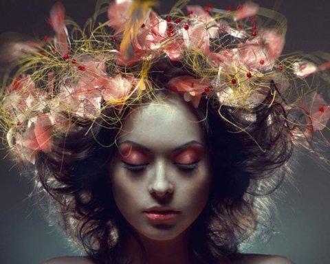 С елкой на голове: сеть «рвет» странный новогодний тренд