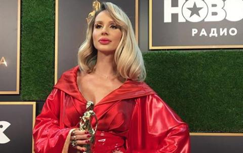 Запроданців треба знати: ще одна українська співачка отримала нагороду в Росії