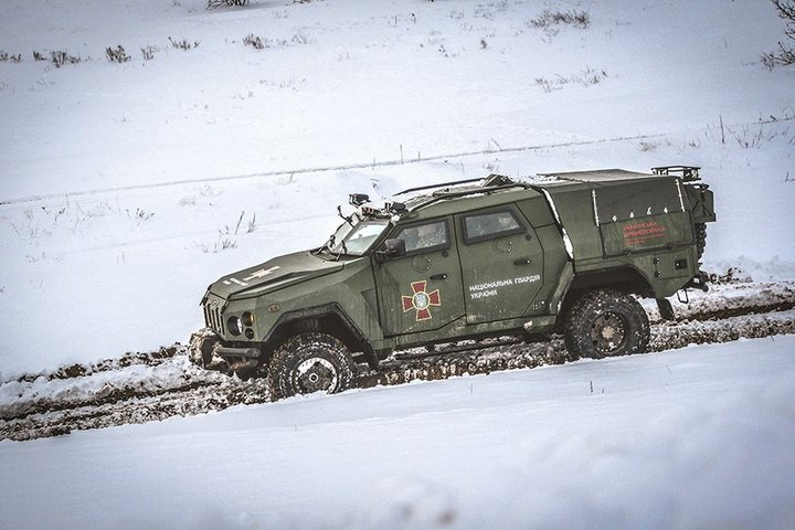 Новые украинские бронеавтомобили испытали на прочность