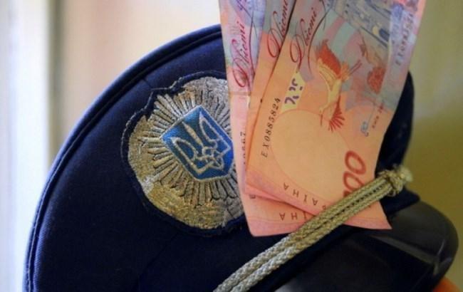 Подполковника полиции задержали на взятке