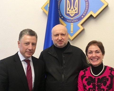 Волкер і Турчинов обговорили закон про реінтеграцію Донбасу