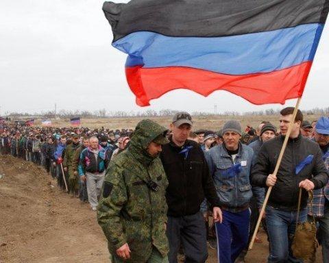 """У соцмережах розповіли як дітей """"ДНР"""" перетворюють на вбивць і шкуродерів"""