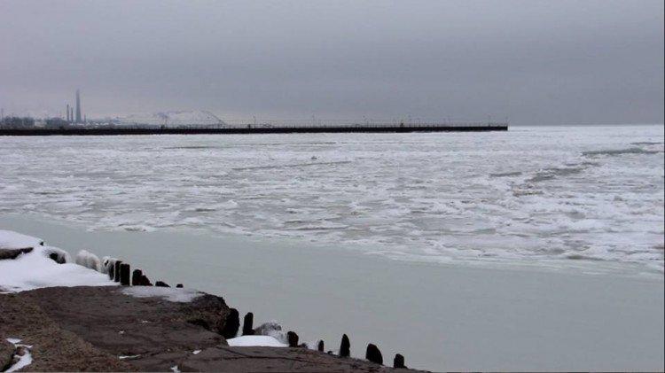 Удивительная красота: замерзшее море показали украинцам (фото)