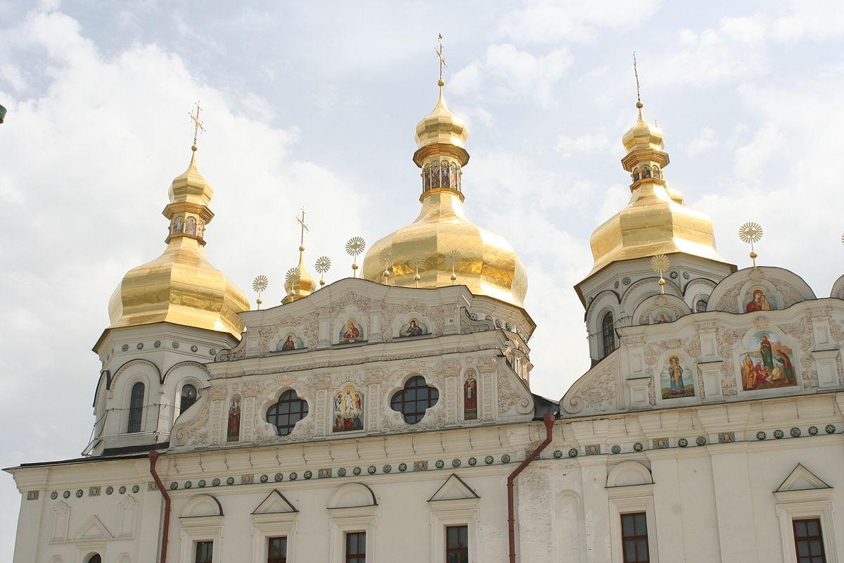 Киевский патриархат похвалил Порошенко за поместную церковь