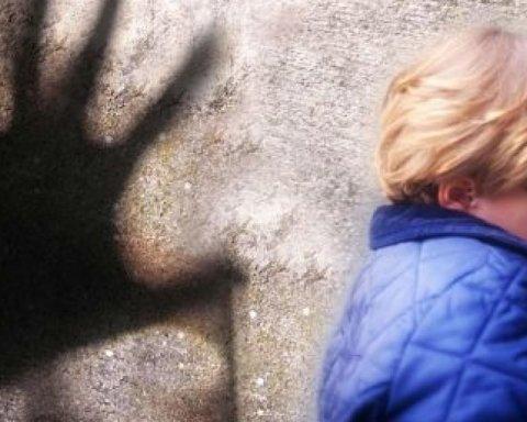 У Миколаєві на вулицях розгулявся збоченець, батьки ховають дітей