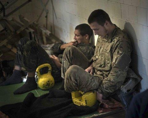"""Катують та ламають ребра: як бойовики """"ДНР"""" знущаються над українськими """"шпигунами"""""""