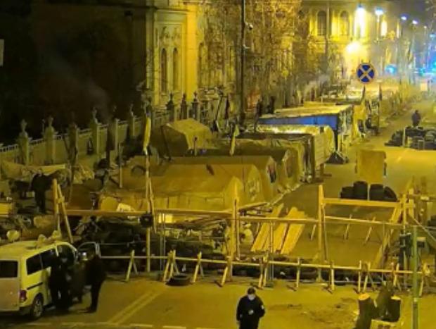 В Киеве из палаточного городка вывезли труп, есть подробности
