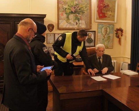 Зухвале пограбування у Києві: невідомі винесли цінності з фонду культури на сотні тисяч доларів