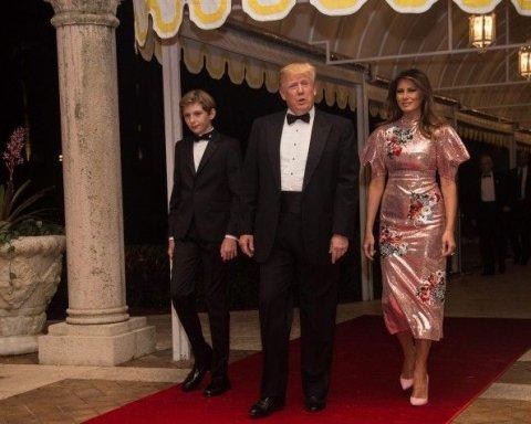 Икона стиля Мелания Трамп встречала Новый год в роскошном розовом платье