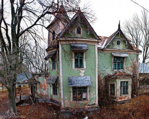 """""""Все гниє і розпадається"""": киян шокував стан відомої пам'ятки архітектури"""