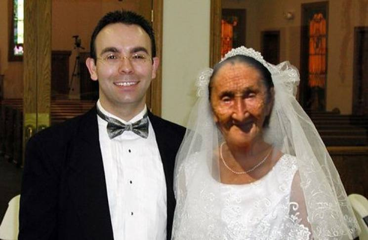 Фіктивний шлюб 22-річного призовника з двоюрідною бабою визнали дійсним