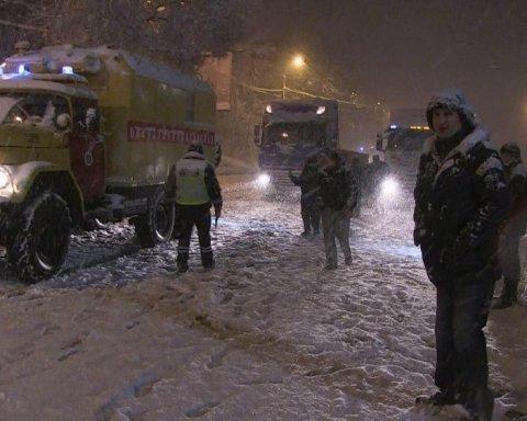 Кияни можуть спостерігати онлайн, як у Кличка борються зі снігом