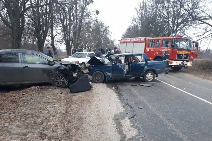 Масштабное ДТП поразило украинцев: шесть пострадавших