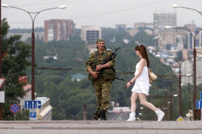 Боевики запретили людям выезжать из оккупированных территорий