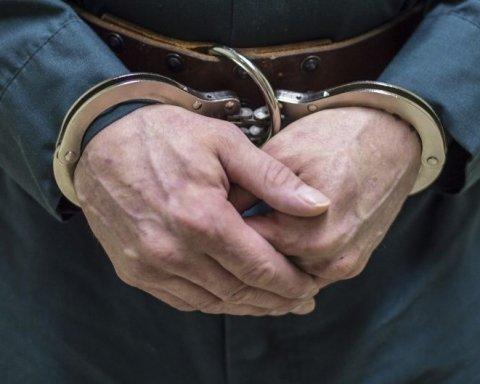 В'язнів, вивезених з Криму, примусово роблять громадянами Росії