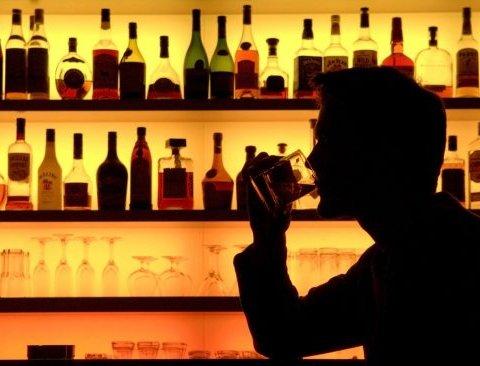 Назвали небезпечну для серця дозу алкоголю