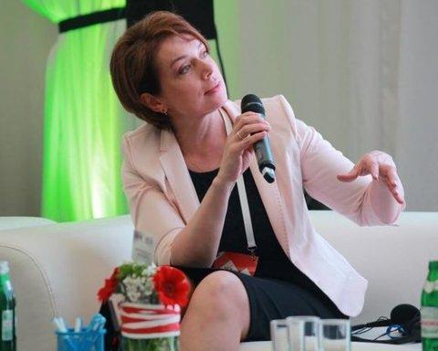 """Українців вразили """"шалені"""" витрати Гриневич на відрядження"""