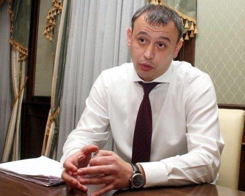 """Українців вразила зарплата у 60 тисяч """"скромного"""" прокурора"""