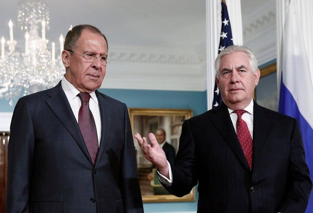 Тіллерсон розповів деталі розмови зЛавровим щодо України