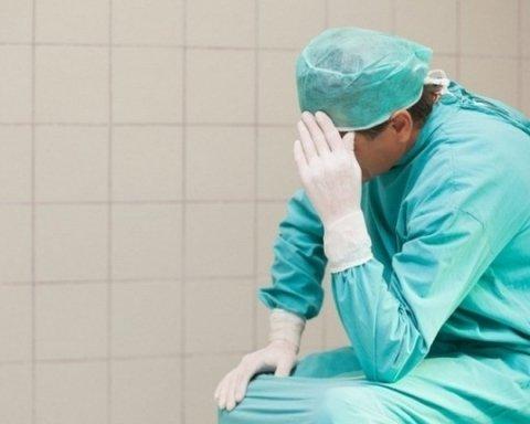 Хирург-наркоман в Сумах поставил украинцев «на уши»