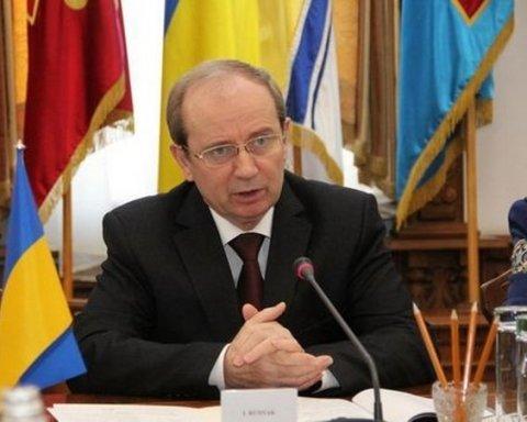 Українців вразила зарплата у 900 тисяч  заступника міністра оборони