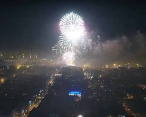 Українців вразили масштабом новорічних феєрверків в Одесі (відео)