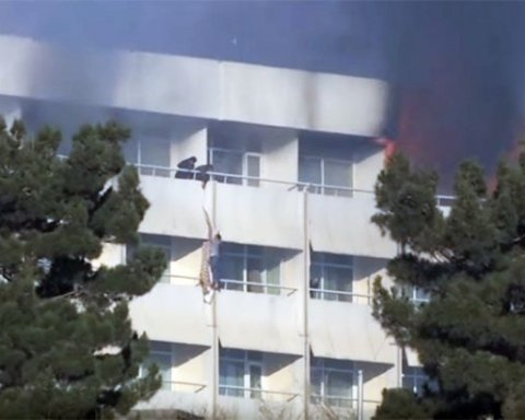 Трагедія у Кабулі: готель з українцями підпалили, загинуло дев'ять осіб