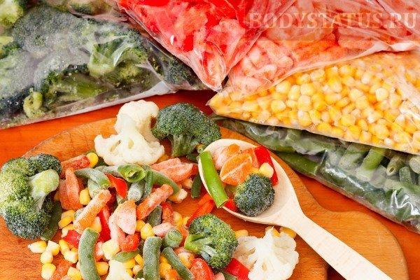 Медики объяснили, почему и кому стоит употреблять замороженные овощи