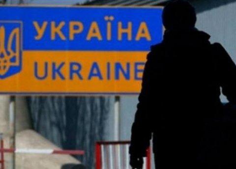 Работают без оплаты, как рабы: украинцам указали на обман при трудоустройстве за рубежом