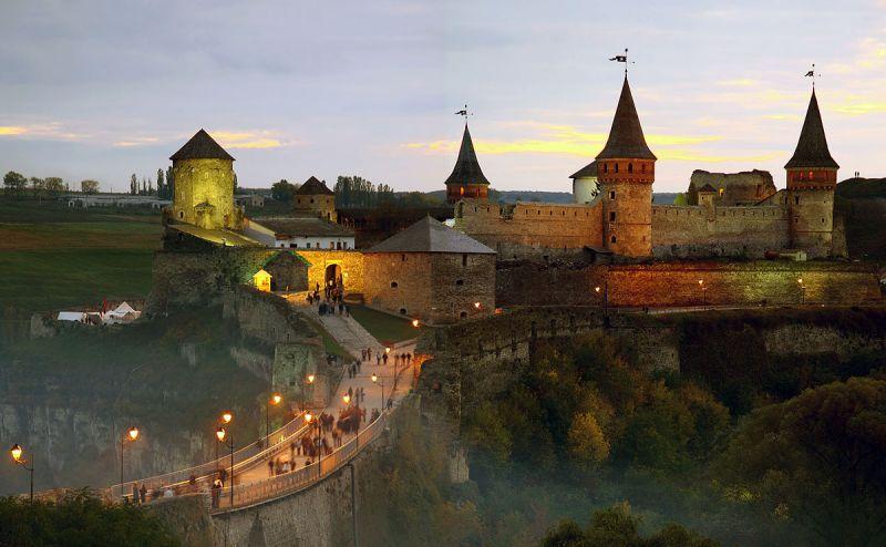 Стіна відомої фортеці обвалилась в Кам'янці-Подільському