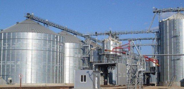 ЗМІ розповіли про спробу рейдерського захоплення соєвого заводу в Херсонській області
