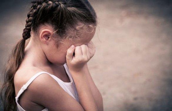 Нелюд  ґвалтував 7-річну прийомну доньку