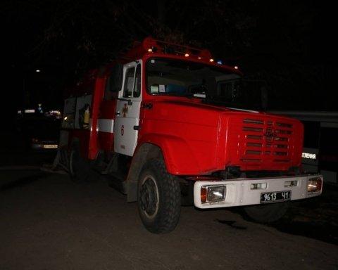 Жуткий пожар в Киеве: появились подробности