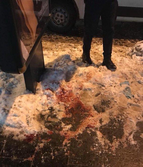 Вцентре Львова девушка устроила резню и убежала, милиция разыскивает злоумышленницу