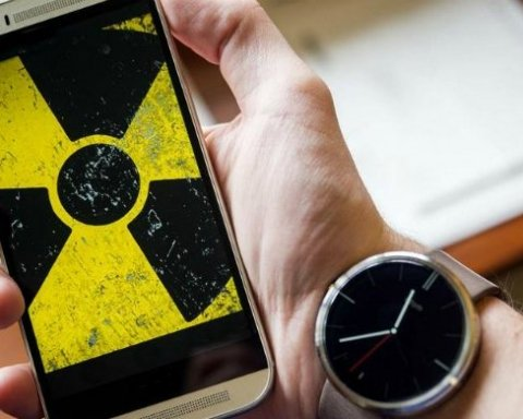 Викликає рак: чим небезпечний сон зі смартфоном